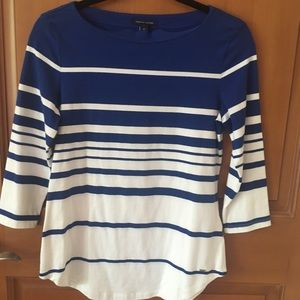 Long Sleeved Blue and White Gradual Striped Top